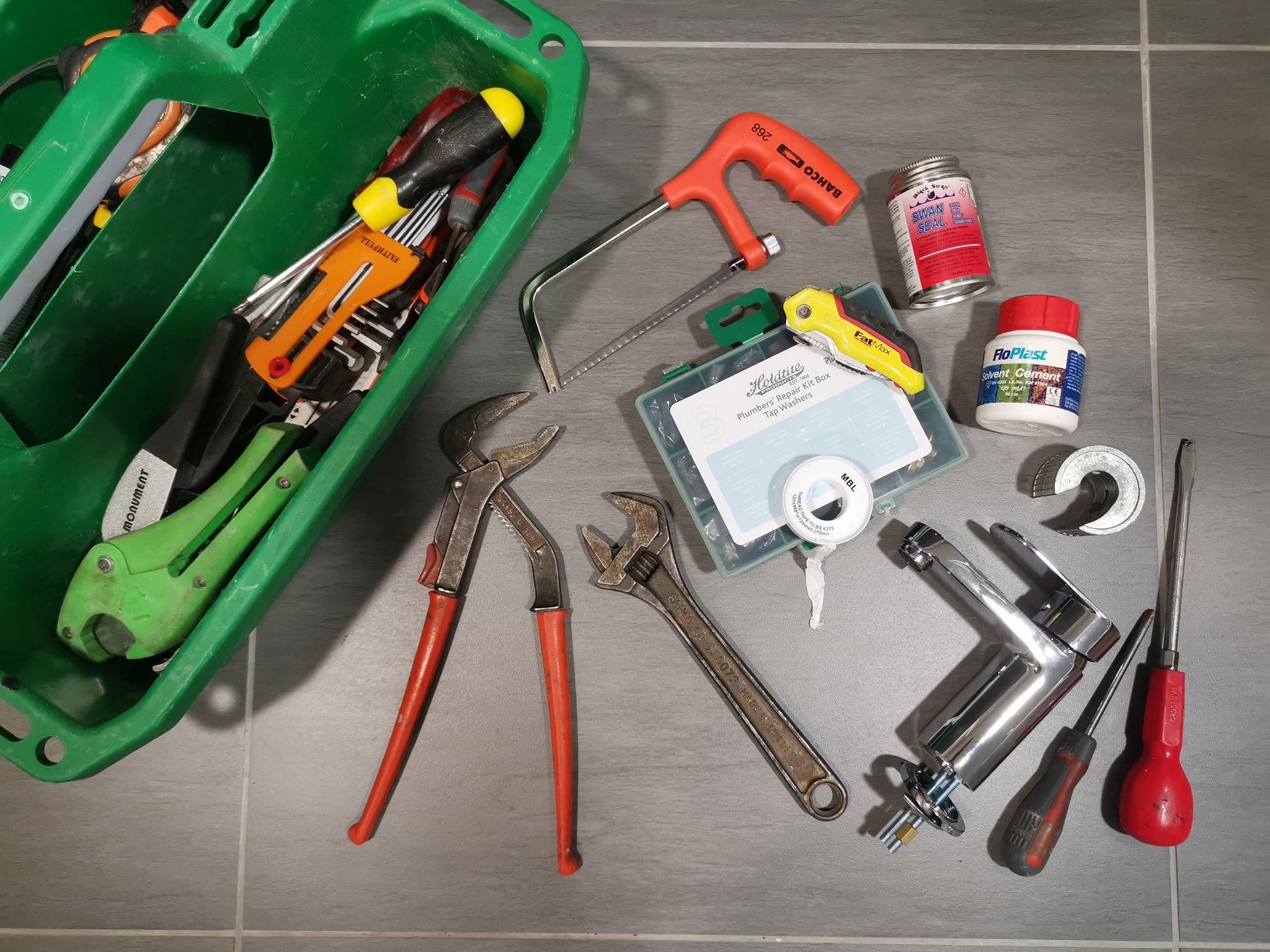 10 must have items in your Home DIY Plumbing Repair Kit