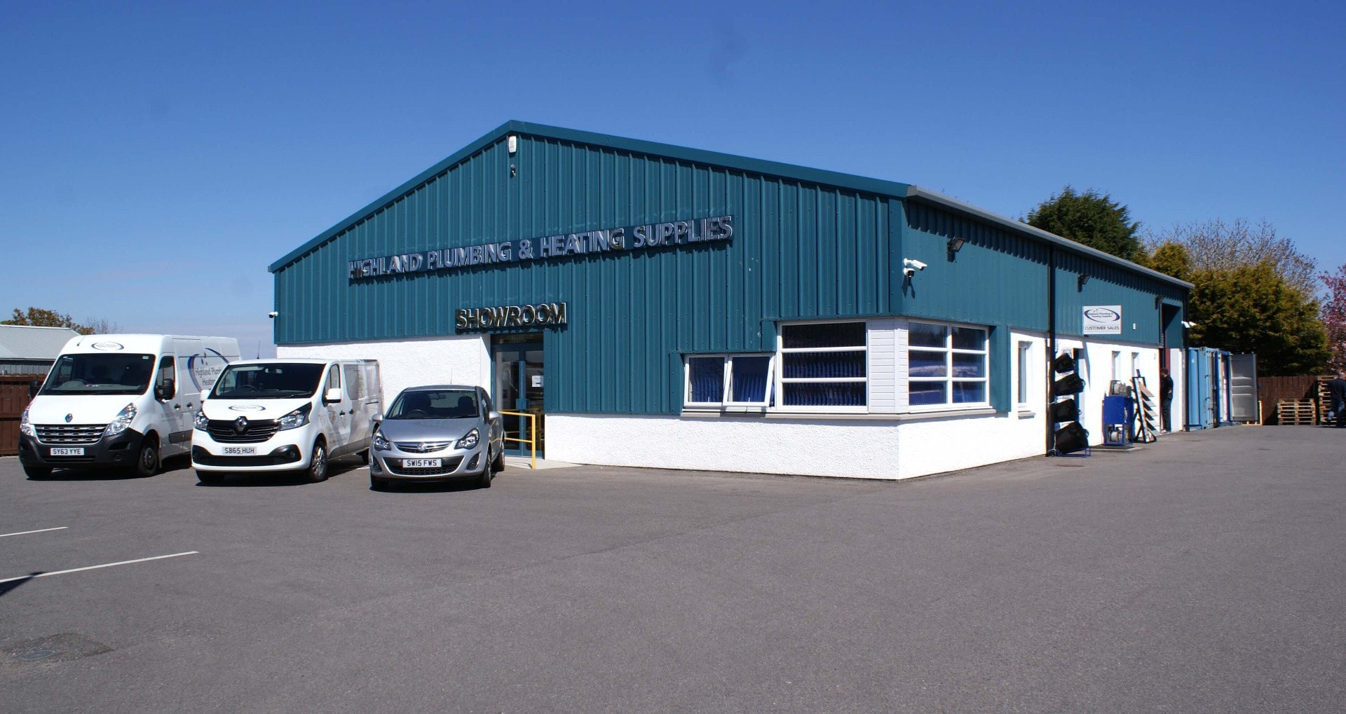 Front view of the Highland Plumbing & Heating Supplies Tain warehouse